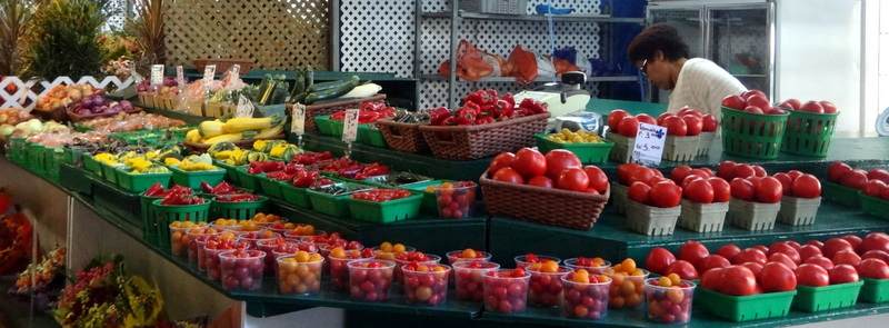 Montreal: The Colors and Tastes of Atwater Market (3/6)
