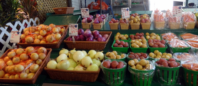 Montreal: The Colors and Tastes of Atwater Market (5/6)