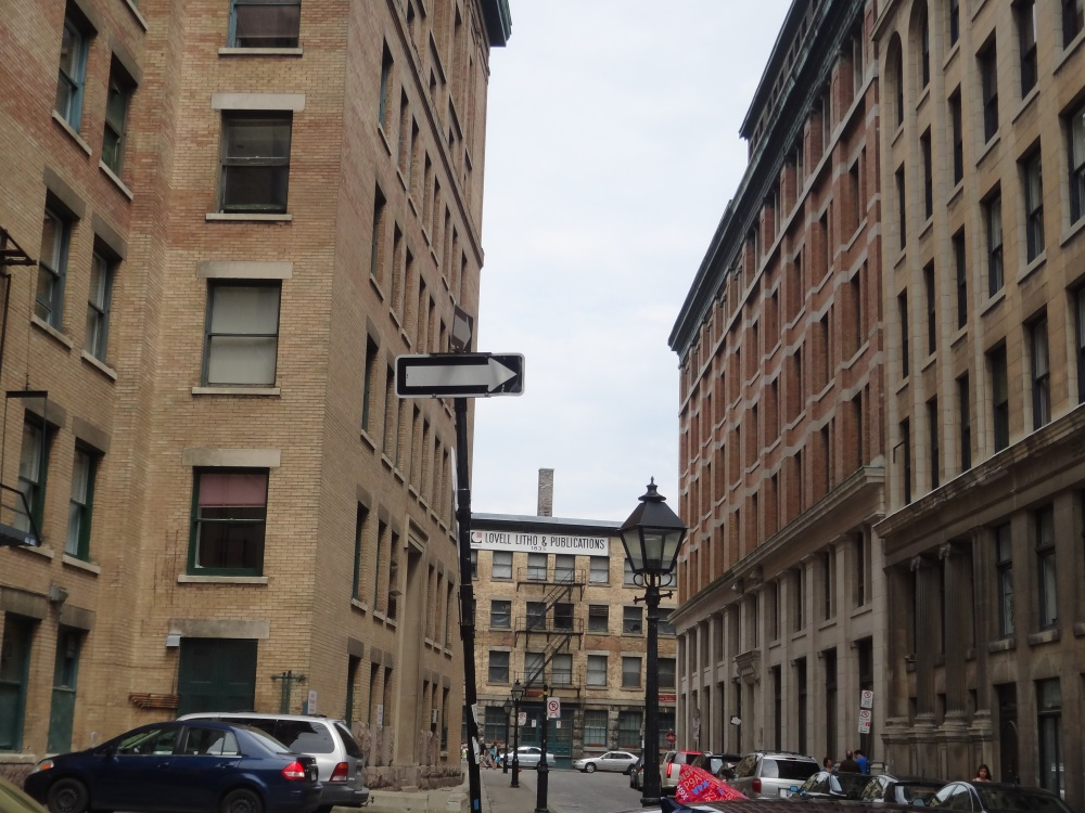 Walking in Old Montreal (4/6)