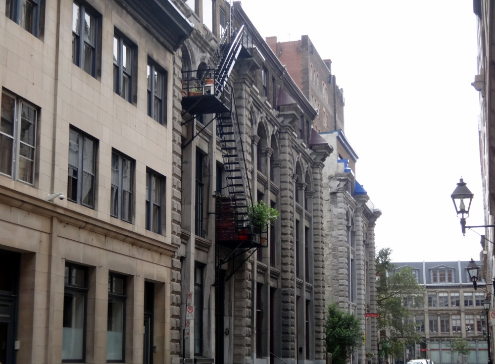 Walking in Old Montreal (6/6)