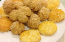 Sesame Balls and Almond Cookies
